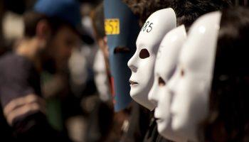 Teatro de calle del grupo SOS Racismo